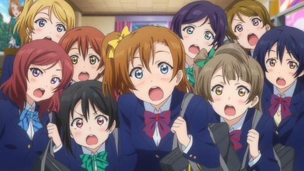 深夜アニメの劇場版としては過去最高の興収28億円を叩き出す快挙(『ラブライブ!The School Idol Movie』)