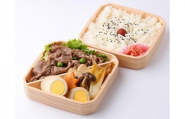 3位は浅草今半の「黒毛和牛 重ねすき焼弁当」(1945円)。老舗ならではの上品な味と彩りを楽しめる
