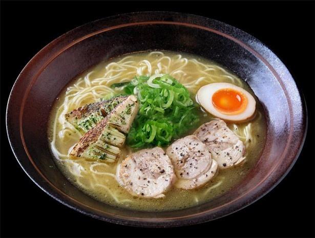 鶏白湯を進化させた、京都祇園の「らぁ~めん京」は具材に京野菜がのっている