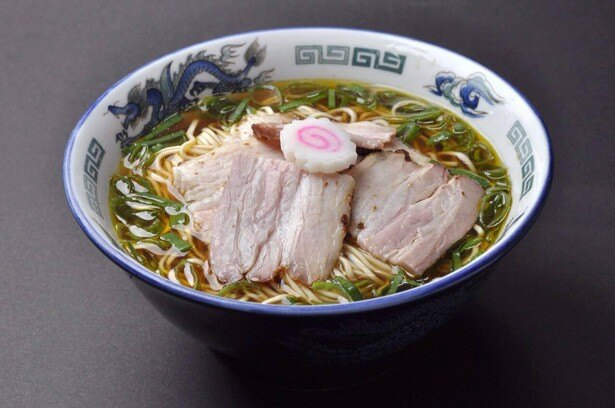 特製の醤油ダレを体をポカポカにする生姜を効かせたスープで味わえる、東京・吉祥寺の「吉祥寺 武蔵家」