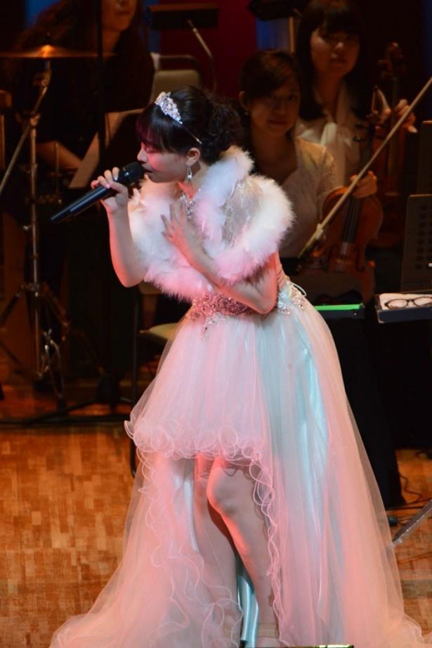 今井麻美の歌声とパイプオルガンがライブで共鳴!