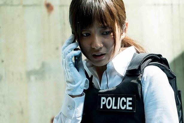 木村文乃が主演を務めた「連続ドラマW 石の繭」がDVDで発売