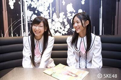 忙しい撮影の合間にコメントをもらえた松井さん(右)と大矢さん(左)