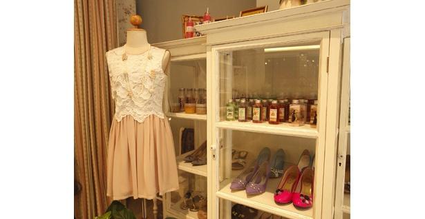 服飾製品のほか、タイの女優やモデルも愛用するオリジナルボディケアグッズも注目だ(Sara's Wand)