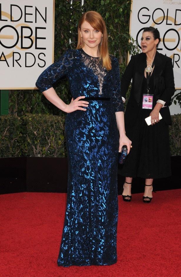 【写真を見る】ゴールデン・グローブ賞に華麗なドレスで登場したブライスの全身写真
