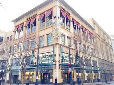 シアトルには「バーンズ・アンド・ノーブル」のような魅力的な書店が多い