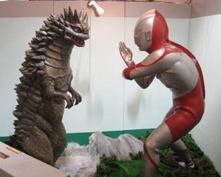 戦闘シーンを再現したバトルジオラマ(イメージ)の展示