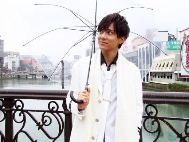 184cmの高身長と甘いマスク、爽やかな笑顔が印象的。「次回はライブで福岡に来ます!」と約束してくれた