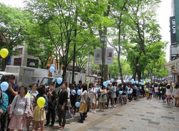 表参道店のオープン時には、約500人の行列ができた(写真は表参道店)