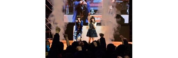 上田麗奈も思わず「いい尻だ~!」鈴木絵理と二人でにぎやか「Dimension W」ステージイベントinワンフェス