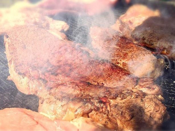 【写真を見る】広島県の「道の駅 世羅」から出展される「牛焼き」