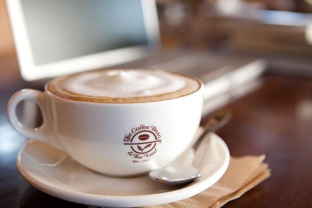 「コーヒービーン& ティーリーフ」(イオンモール堺鉄砲町)本格的なコーヒーから紅茶やデザート系など、幅広いメニュー展開