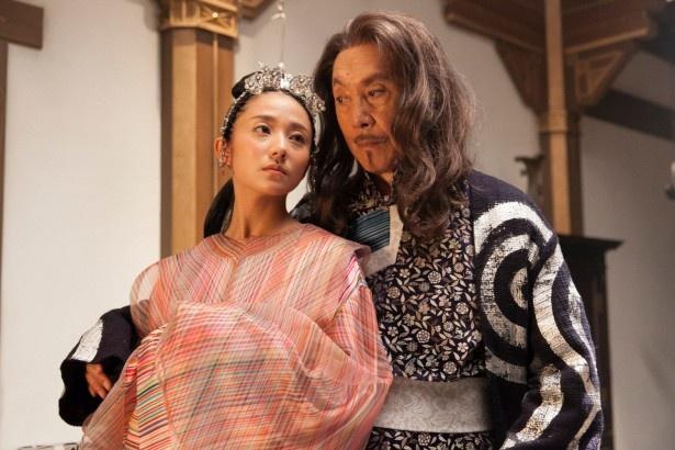 洋服が素敵な高島礼子さん