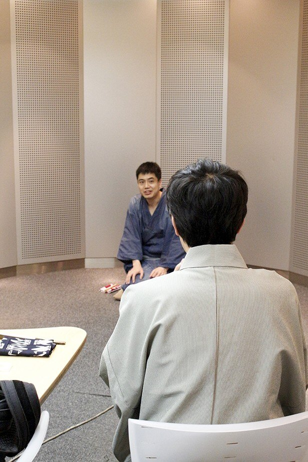 注目度急上昇声優・阿座上洋平が挑むのは落語! 稽古現場を直撃レポ!!