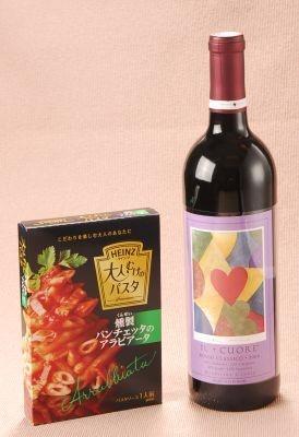 """燻製パンチェッタのアラビアータには""""辛さの後に微かな甘みが残る""""共通点をもつフルボディの赤ワインをセレクト。「イル クオーレ ロッソ クラシコ」"""