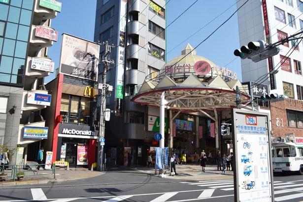 約240店舗が連なる大きな商店街「阿佐谷パールセンター」
