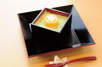 濃厚な抹茶の風味や豆腐の食感が秀逸な一品だ。「抹茶ティラミス(お豆腐仕立て)」(500円)