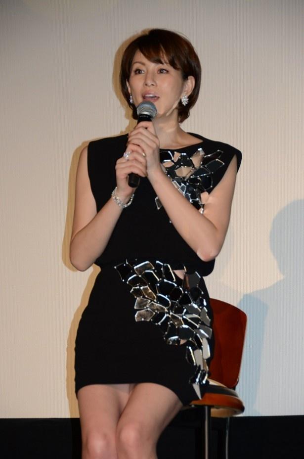 【写真を見る】米倉は「今まで敬遠していましたけど、日本人として時代劇はやるべきだなと思いました」とすっかり時代劇のとりこに