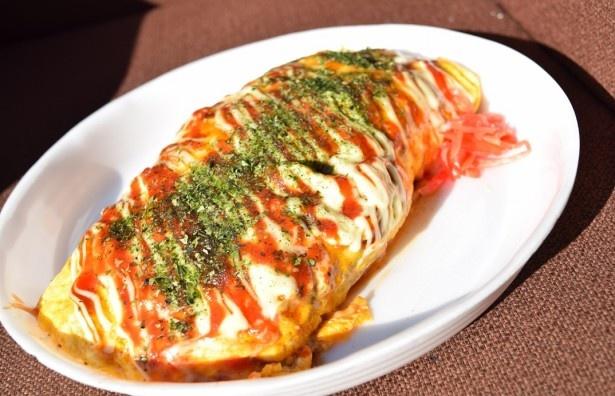 【写真を見る】埼玉県産の卵を使用した「埼玉産たまごのオム焼きそば」(720円)
