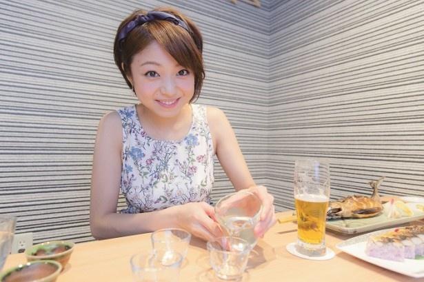 """新鮮魚介を使った福井のアンテナ居酒屋で、""""しーちゃんママ""""がビールに日本酒に飲みまくる!"""