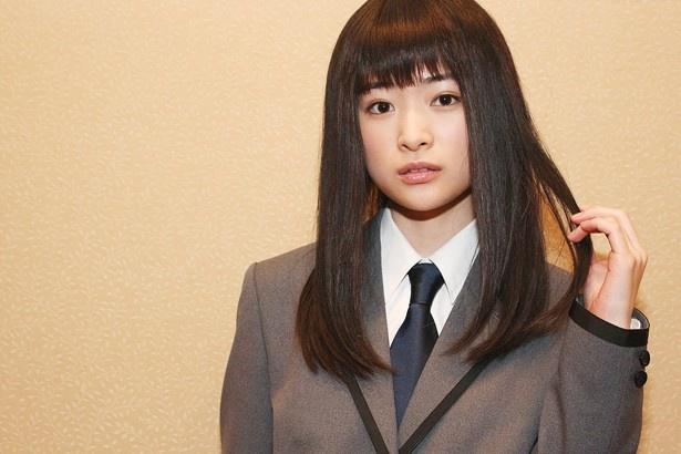 神崎有希子役の優希美青