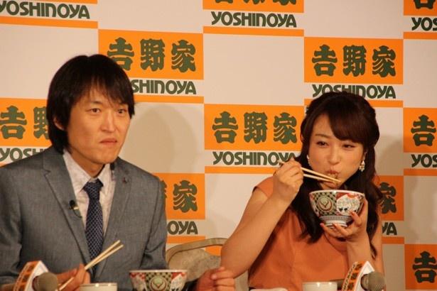 【写真を見る】川田裕美も「ほんとにおいしいです」と絶賛!
