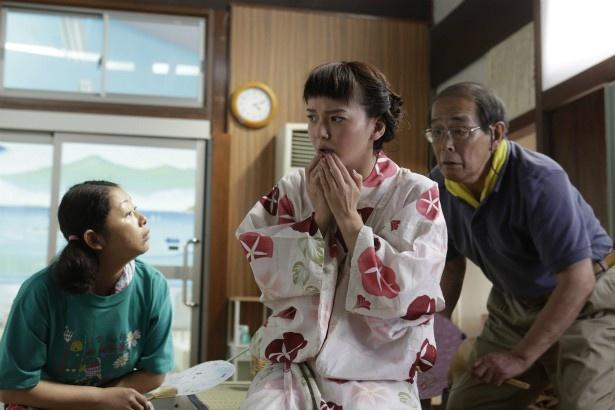73歳のカツ(倍賞美津子)が、20歳の姿(多部未華子)となる