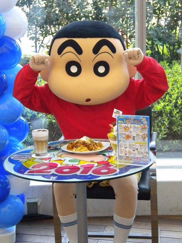 「クレヨンしんちゃん 爆睡!?オラのユメミーカフェ」にしんちゃんも大興奮!