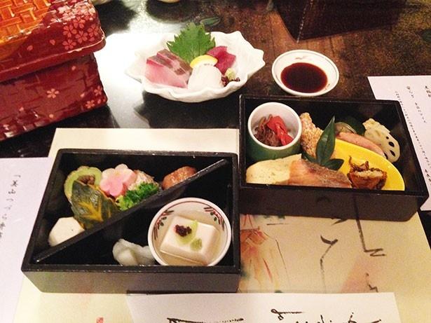 【写真を見る】叶匠寿庵 寿長生の郷で予約できる昼食「美山つづら弁当」