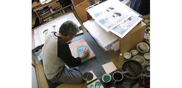 アダチ版画研究所の匠の技が随所に盛り込まれている