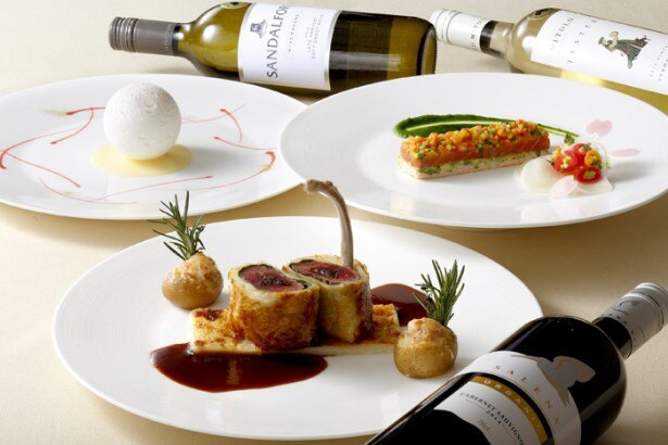 オーストラリアの美食とワインをフレンチスタイルで提供