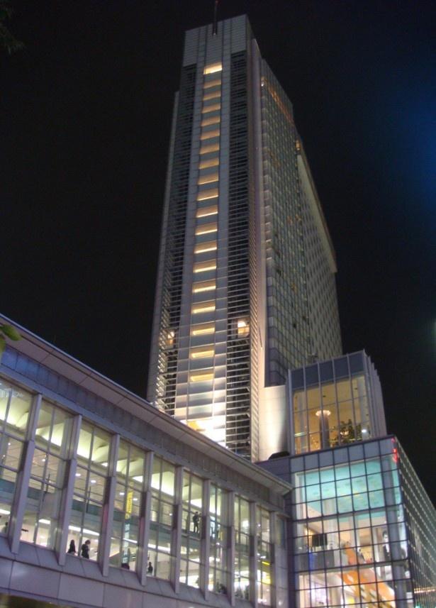 【写真を見る】渋谷に聳える25階の天空レストラン