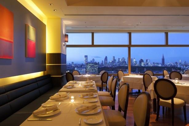 食事と一緒に最高の夜景も楽しみたい