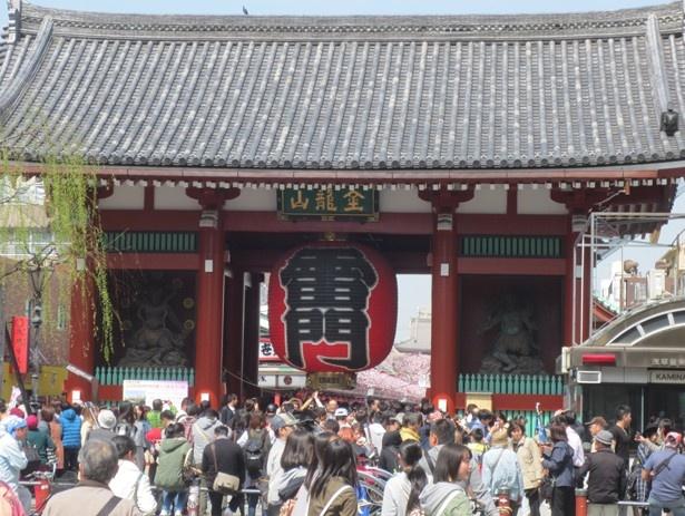 浅草は、蔵前駅から歩いて10分で行けるほど身近な距離にある