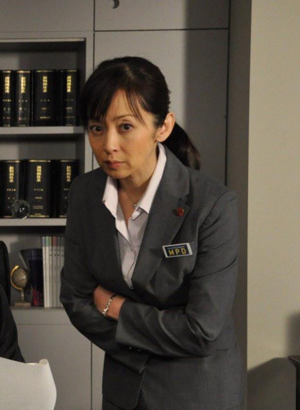 「警視庁・捜査一課長」で平井真琴を演じる斉藤由貴