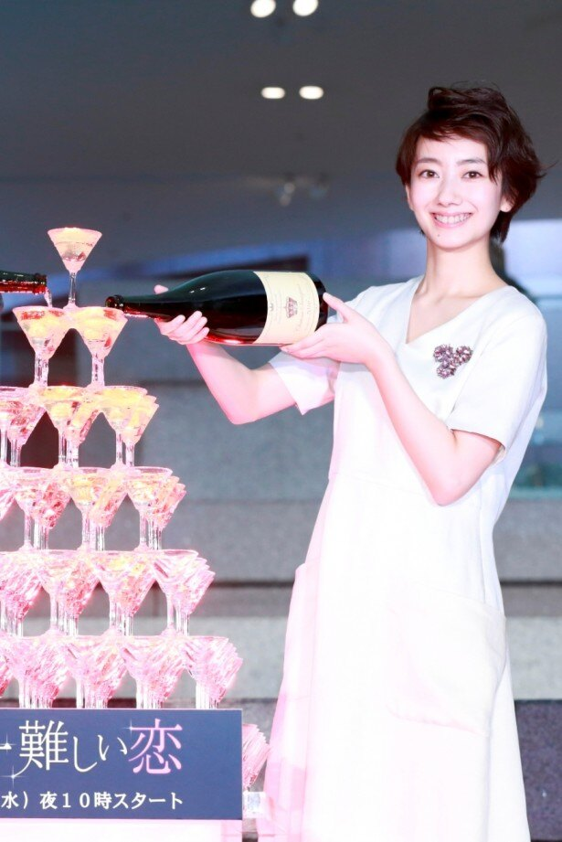 「世界一難しい恋」完成披露会見に登壇した、ヒロインを演じる波瑠