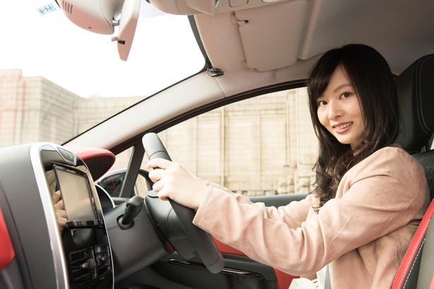 「この位のサイズが、一番運転しやすいと思います」と語る榊原さん