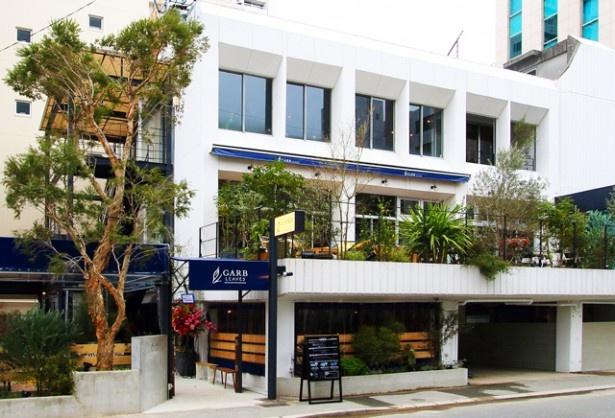 築40年の建物をリノベーションしたオープンテラスレストラン
