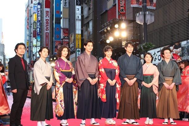 キャストのほかに小泉徳宏監督も登壇した