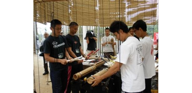 竹にちなんで、竹でできた打楽器演奏のデモンストレーションも