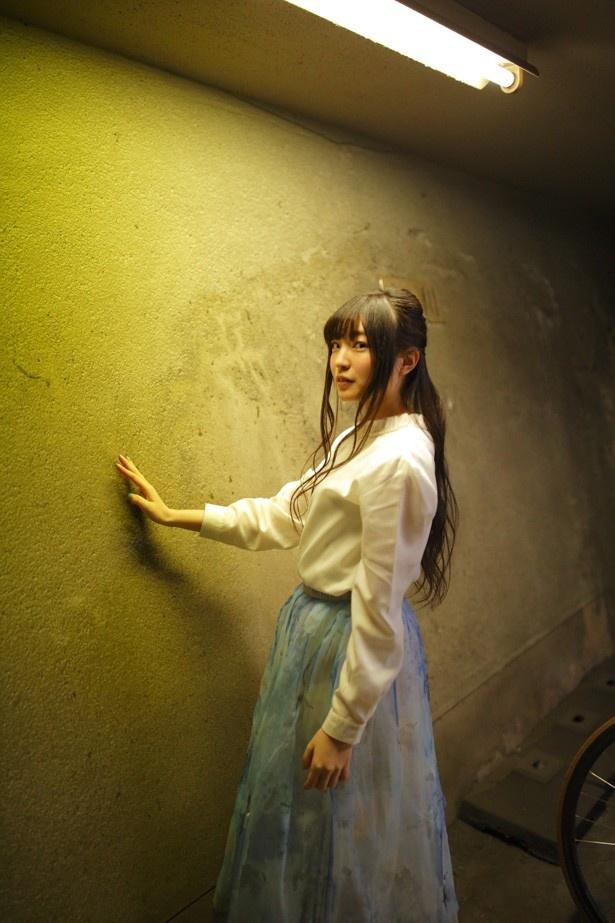 上田麗奈フォトコラム第13回。横浜・山手の丘で見つけた色は?