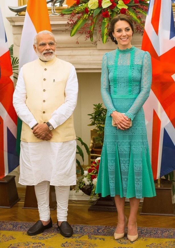 ペパーミントグリーンのテンパリー・ロンドンのドレスは750ポンド
