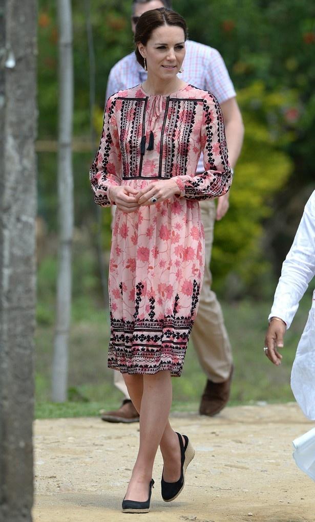 トップショップのドレスは75ポンド
