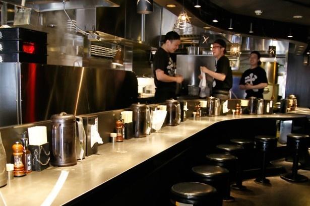 「武骨相傳」は、2011年に麺屋武蔵グループのつけ麺専門店としてオープンした