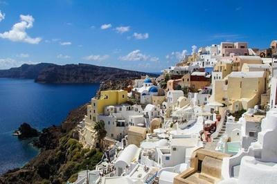 世界のベストアイランド2位「サントリーニ島」(ギリシャ)