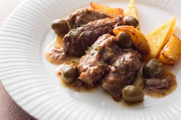 料理一例。ブッフェ肉料理