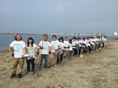 これまで清掃した海岸の広さは東京ドーム45個分!