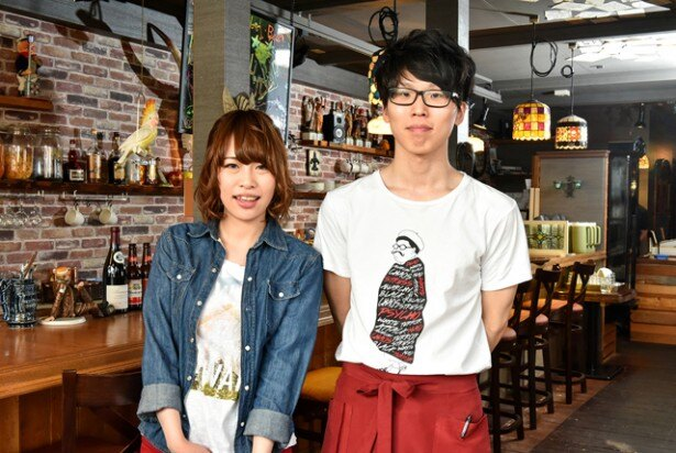 左が看板娘の白嶋里紗さん、右が新人の芳賀智弥さん。挑戦の間、励ましてくれてありがとう!
