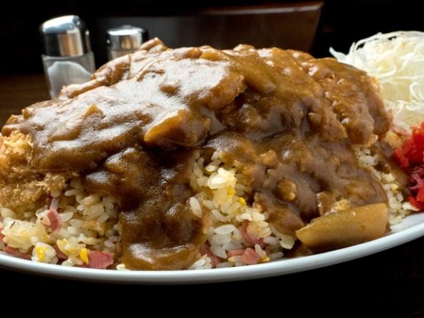 京都の洋食店で1kg超えメガトンライス発見