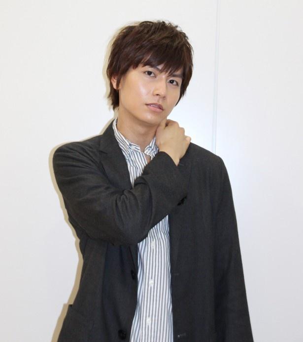 【写真を見る】橋本マナミとの濃厚なラブシーンが話題の多和田秀弥がセクシーな表情を見せる